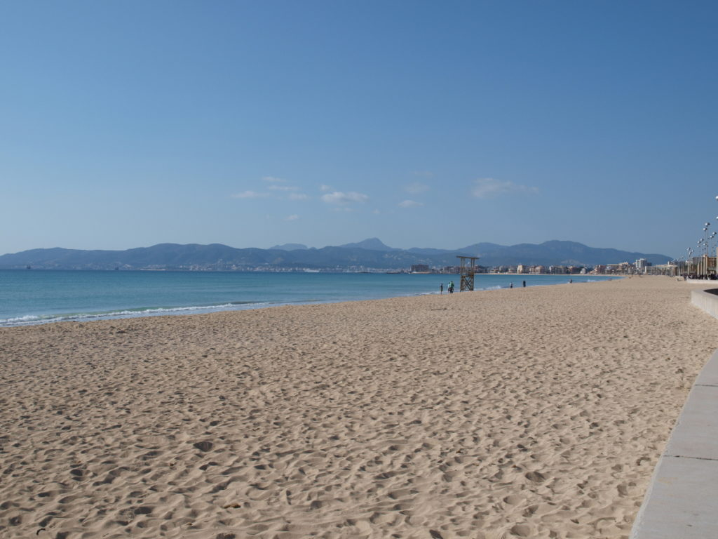 Can Jaume: Strand